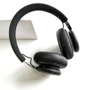 Bang & Olufsen BeoPlay H4, Black.Picture3