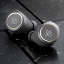 Bang & Olufsen Beoplay E8 Charcoal Sand.Picture2